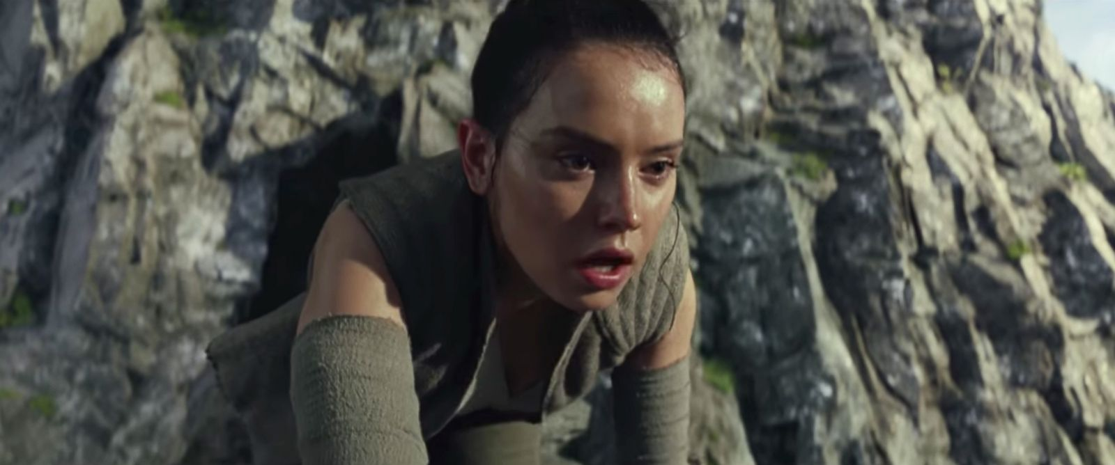 Trailer Pertama The Last Jedi Is a Blast from the Past