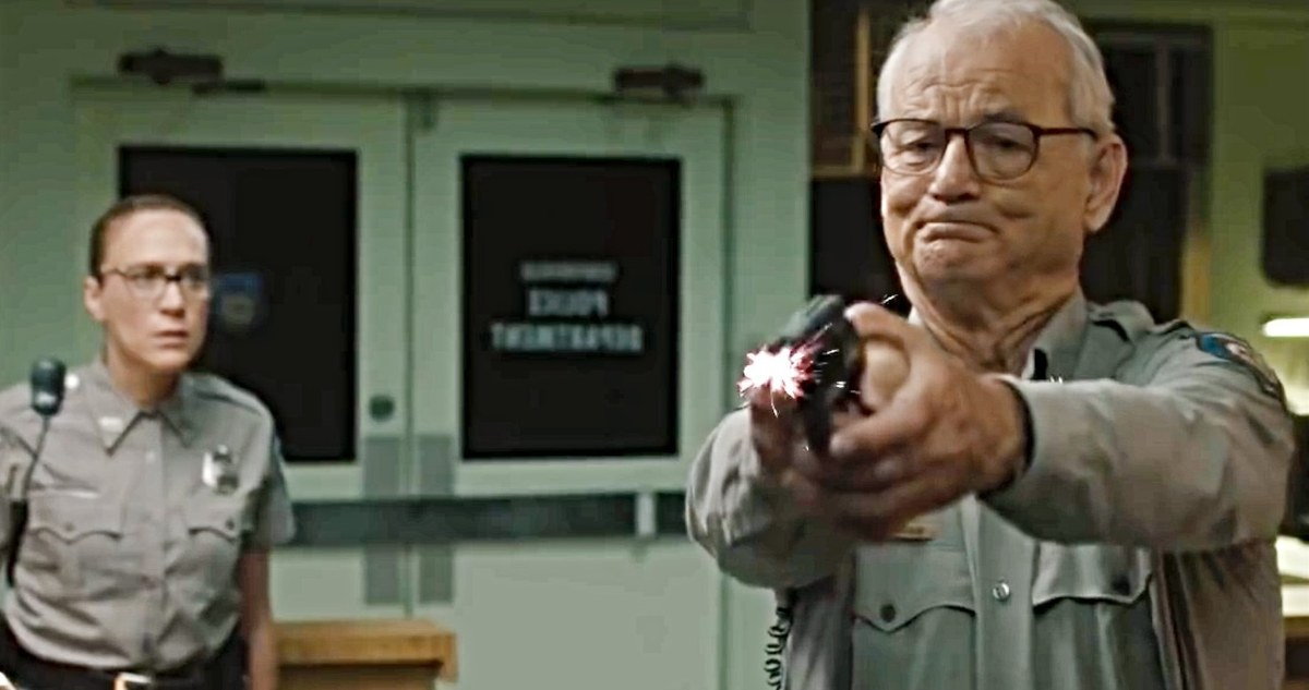 Bill Murray Bertujuan untuk Kepala di Trailer Band The Dead Don't Die Red
